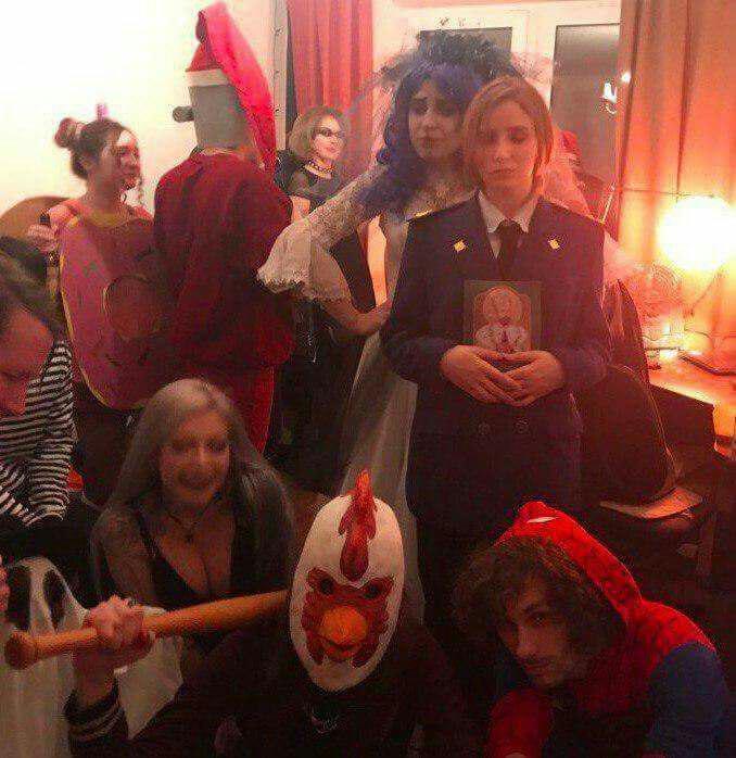 Образ Натальи Поклонской стал популярным костюмом нахэллоуин