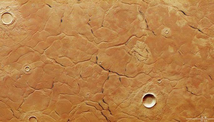 Ученые нашли на Марсе загадочный лабиринт (ФОТО)