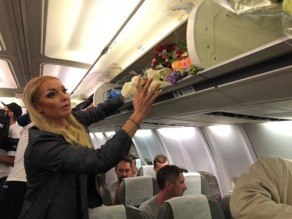 Разозлила пассажиров: Волочкова вляпалась вскандал всамолете