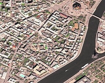 Каких знаменитых жильцов скрывает самый дорогой район Москвы