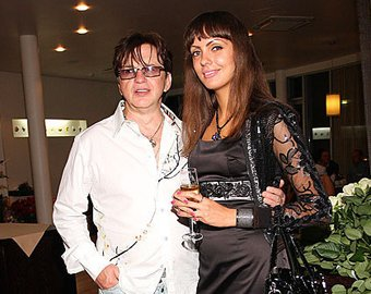 Мама Александра Барыкина помирилась с последней женой певца