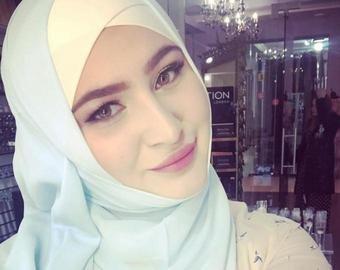 «Давно в прицеле»: в Чечне за наркотики задержали блогершу, известную по «голым» фотографиям в хиджабе