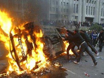 Погромы в Бишкеке: погибли два человека