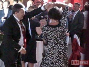 На Google подают в суд и-за видео с танцующим Януковичем