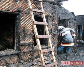 Трагедия в Омске: в частном доме сгорели 8 человек