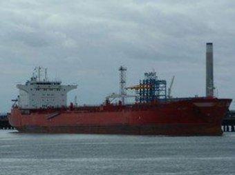 Пираты напали на российский танкер, есть раненые
