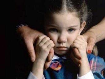 СМИ: В России за долги по ЖКХ отбирают детей