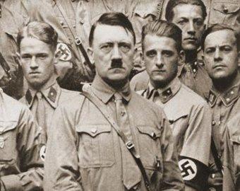 СМИ: Гитлер посадил армию Вермахта на наркотики и хотел отравить союзников шоколадом