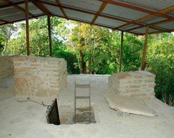 Ученые проникли в гробницу правителя майя и сняли уникальный материал