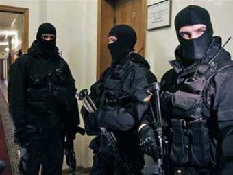 На трех радиорынках Москвы были изъяты более 15 тысяч баз данных, содержащих гостайну