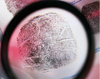 До конца года в заграничных паспортах появятся отпечатки пальцев