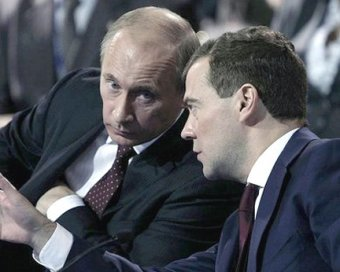 Медведев не пойдет на выборы с Путиным