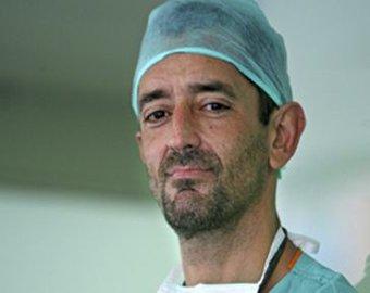 Хирурги провели первую в мире операцию по пересадке обеих ног