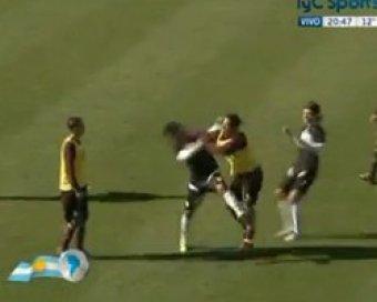 Чемпион мира по футболу избил соперника прямо на поле