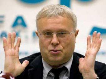 Олигарх Лебедев хочет возродить закрытую Мердоком газету News of the World