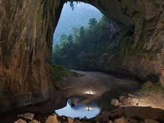 Спелеологи открыли во Вьетнаме самую большую пещеру в мире