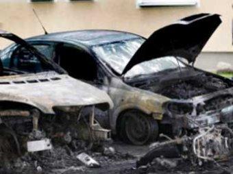 В Берлине четвертую ночь жгут машины: сожжено уже 67 автомобилей