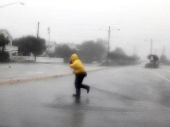 """Ураган """"Айрин"""" обрушился на прибрежные районы Северной Каролины: есть жертвы"""