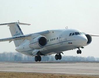 Ан-148 совершил аварийную посадку в Симферополе