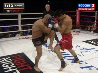 ...победил знаменитого бойца из Греции Майка Замбидиса в первом же.