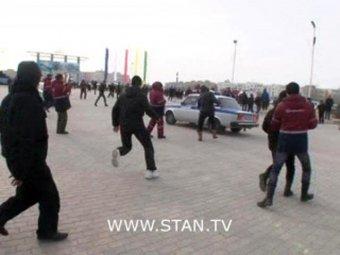 Погромы в Казахстане: в столкновениях нефтяников и полиции погибли 10 человек