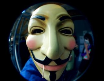"""Хакеры из Anonymous объявили войну """"продажным чиновникам и блогерам"""""""