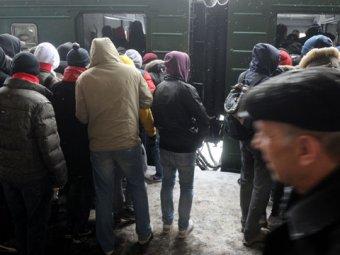 В столичном метро футбольные фанаты устроили побоище: встали поезда, есть пострадавшие