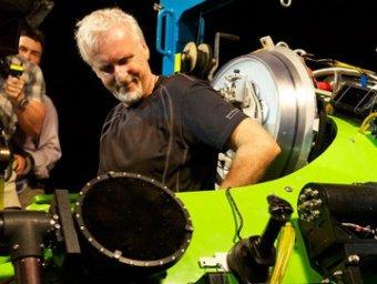 Джеймс Кэмерон стал первым в истории человеком, в одиночку достигший дна мирового океана