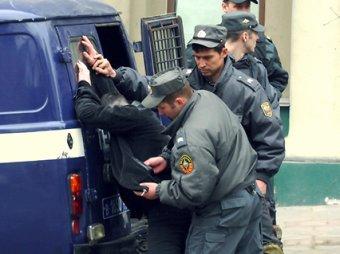 Злоумышленник действовал по определенной схеме: набрасывал на голову капюшон... gov12.ru27. декабря 2012, 15:01.