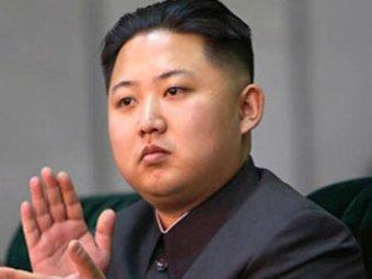 Ким Чен Ын появился на торжествах с неизвестной женщиной