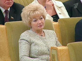 """Людмила Нарусова рассказала, за что она может лишиться места сенатора, о своем отношении к акциям протеста и про """"растяпу-дочь"""" Ксюшу Собчак"""