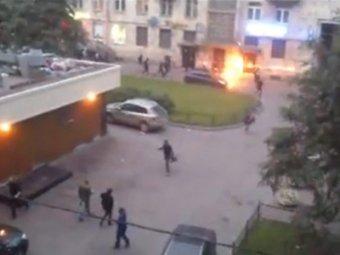 "В Петербурге толпа напала на McDonald""s: ""метелили всех подряд"""