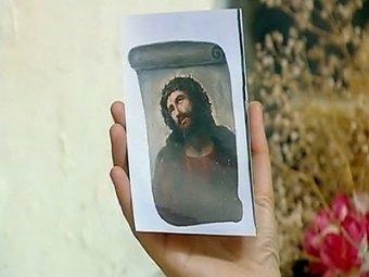 """В Испании старушка безнадёжно испортила старинную фреску, """"подправив"""" лик Христа"""