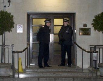 Выдавшая тайну королевской семьи медсестра покончила с собой