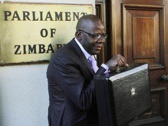В государственной казне Зимбабве осталось 217 долларов