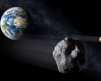 NASA показало в прямом эфире сближение астероида 2012 DA14 с Землей
