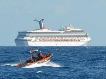 В Мексиканском заливе терпит бедствие лайнер с тремя тысячами пассажиров