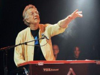 Скончался клавишник легендарных The Doors Рэй Манзарек
