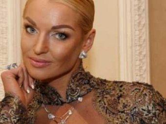 Мать Волочковой: у Насти украли почти все ее сбережения