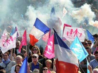 В Париже на митинг вышел миллион разъяренных гомофобов, арестованы 350 человек