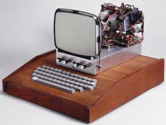Первый компьютер Apple продали за  тысяч