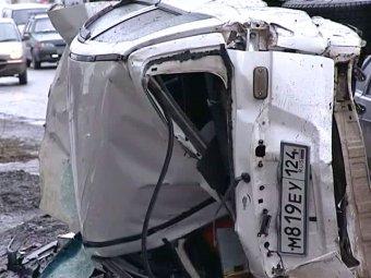 В Пензенской области микроавтобус столкнулся с джипом: 10 погибших