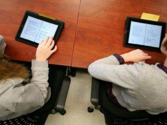 Школьников Лос-Анджелеса перевели с бумажных учебников на iPad