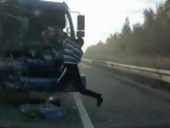 Видео о спасениях на русских дорогах стало хитом Интернета