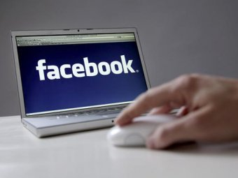 Facebook запускает поиск по хештегам
