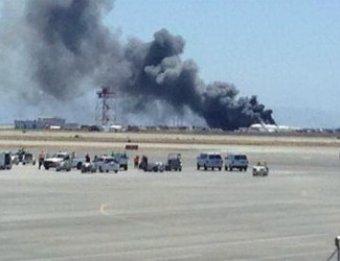В США при посадке разбился Boeing 777 с 291 пассажиром на борту (ВИДЕО)