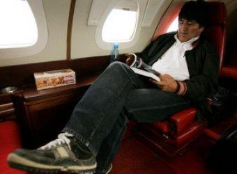 Из-за Сноудена Франция и Португалия закрыли свое небо для самолета президента Боливии