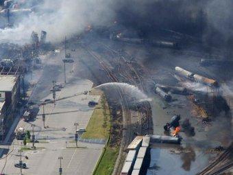 """Последствия крушения поезда в Канаде: """"город будто разрезали ножом"""", 100 человек пропали без вести"""