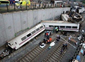 Страшная железнодорожная катастфрофа в Испании: 77 погибших (ФОТО, ВИДЕО)