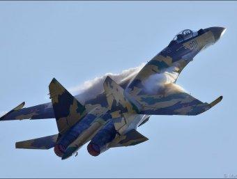 СМИ: на МАКСе не смогли взлететь сразу 4 истребителя пятого поколения